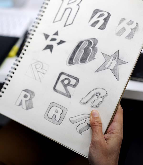 Création d'un logo au brouillon