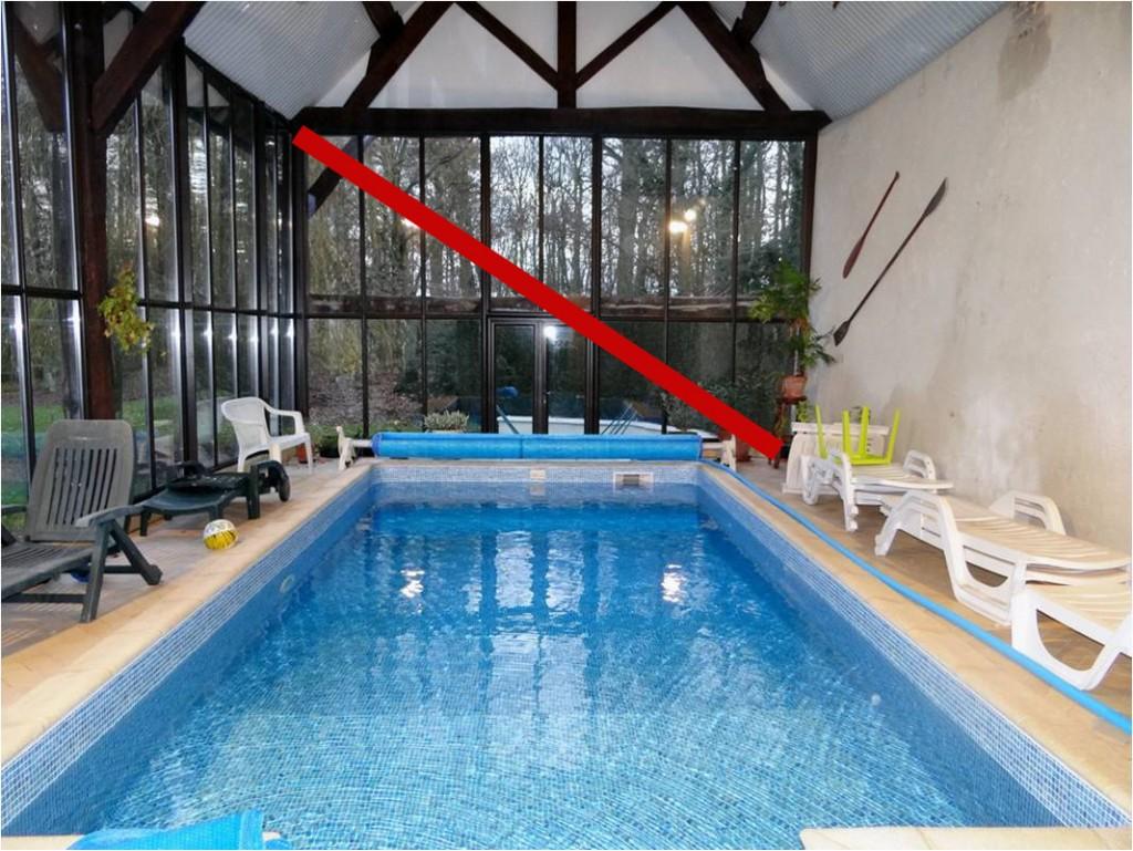 une piscine en hivernage, photo pas vendeuse