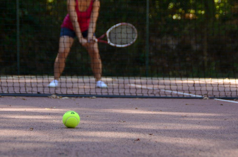 Equipement de tennis dans l'hotellerie de luxe