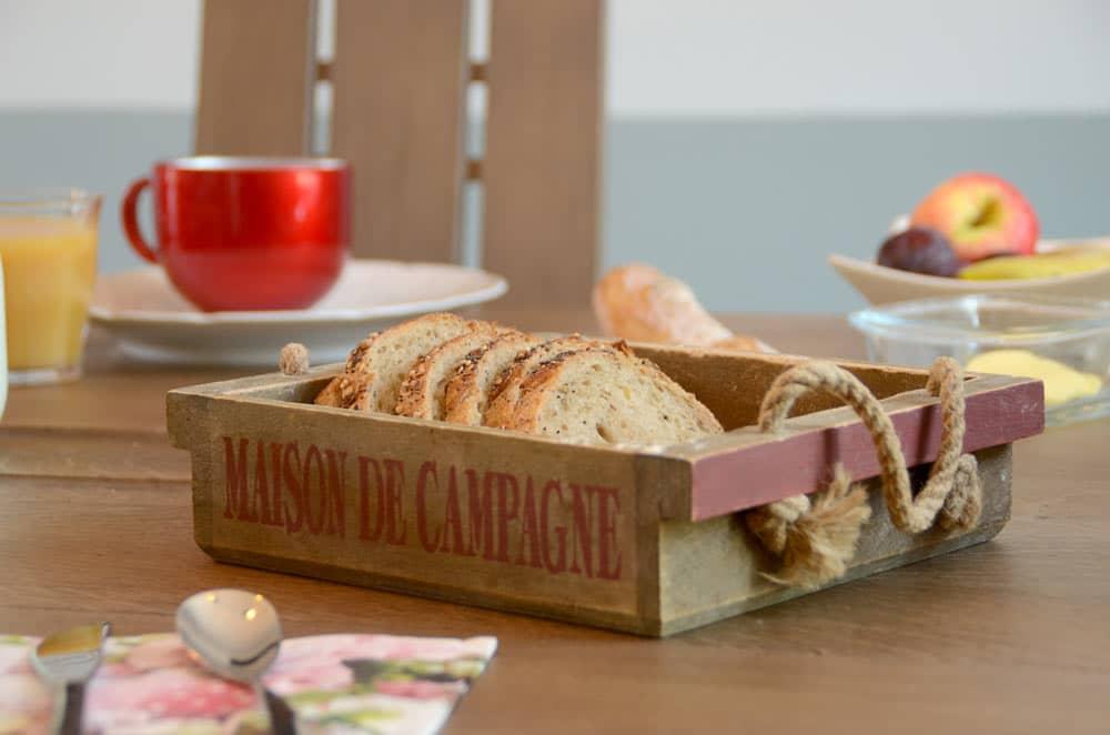 Maison de campagne, pain -copyright Sabrina Echappe