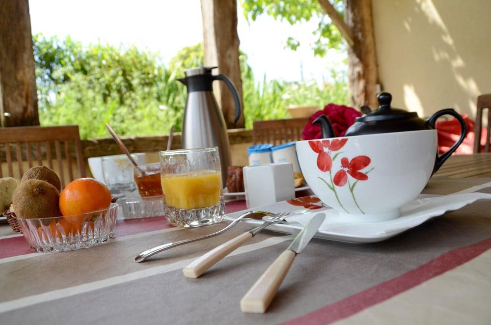 Petit déjeuner chambre d'hôtes - copyright Sabrina Echappe